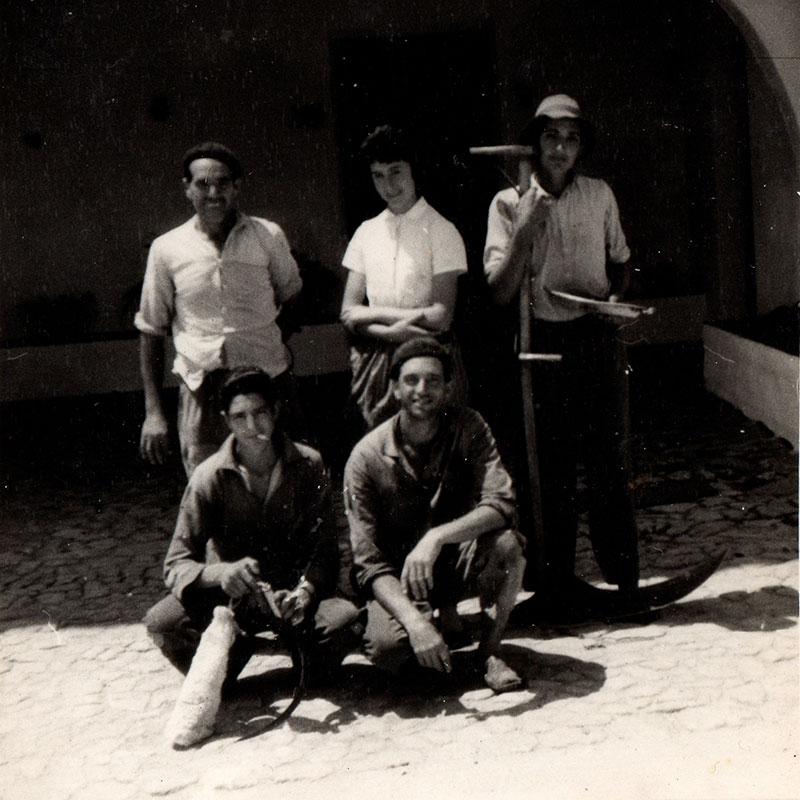 gente del campo menorquin con autenticas menorquinas- arxivo Pwani