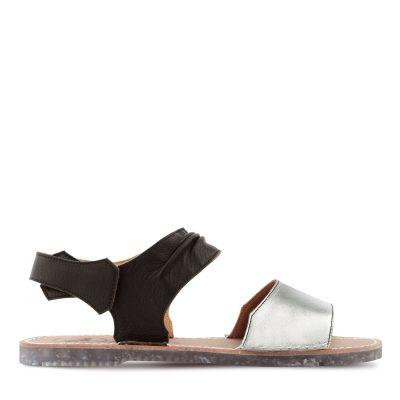 sandalia menorquina plateada
