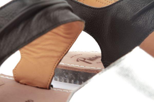 sandalia menorquina plateda y negra